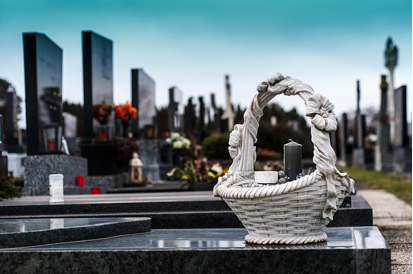 Benefits of Hiring a Funeral Director