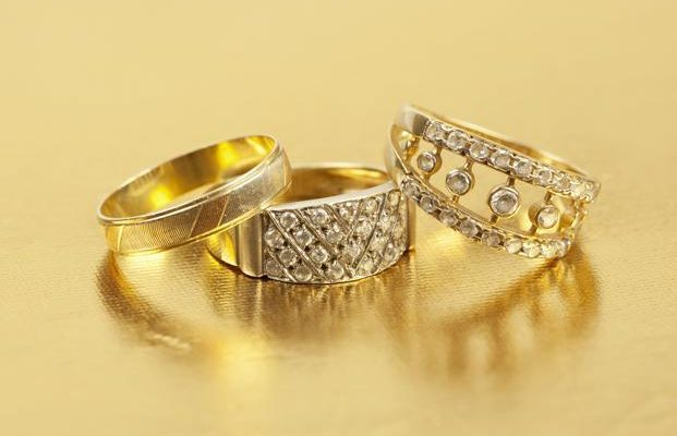 7 Do's and Don'ts About Buying Gold Jewelry