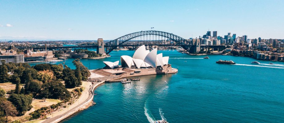 WHEN IS A GOOD TIME TO GO TO AUSTRALIA
